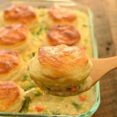 EASY Biscuit Chicken Pot Pie #easydinner #best #easyrecipe #chickenrecipe #potpie #whole30 #ketodinner #lowcarb