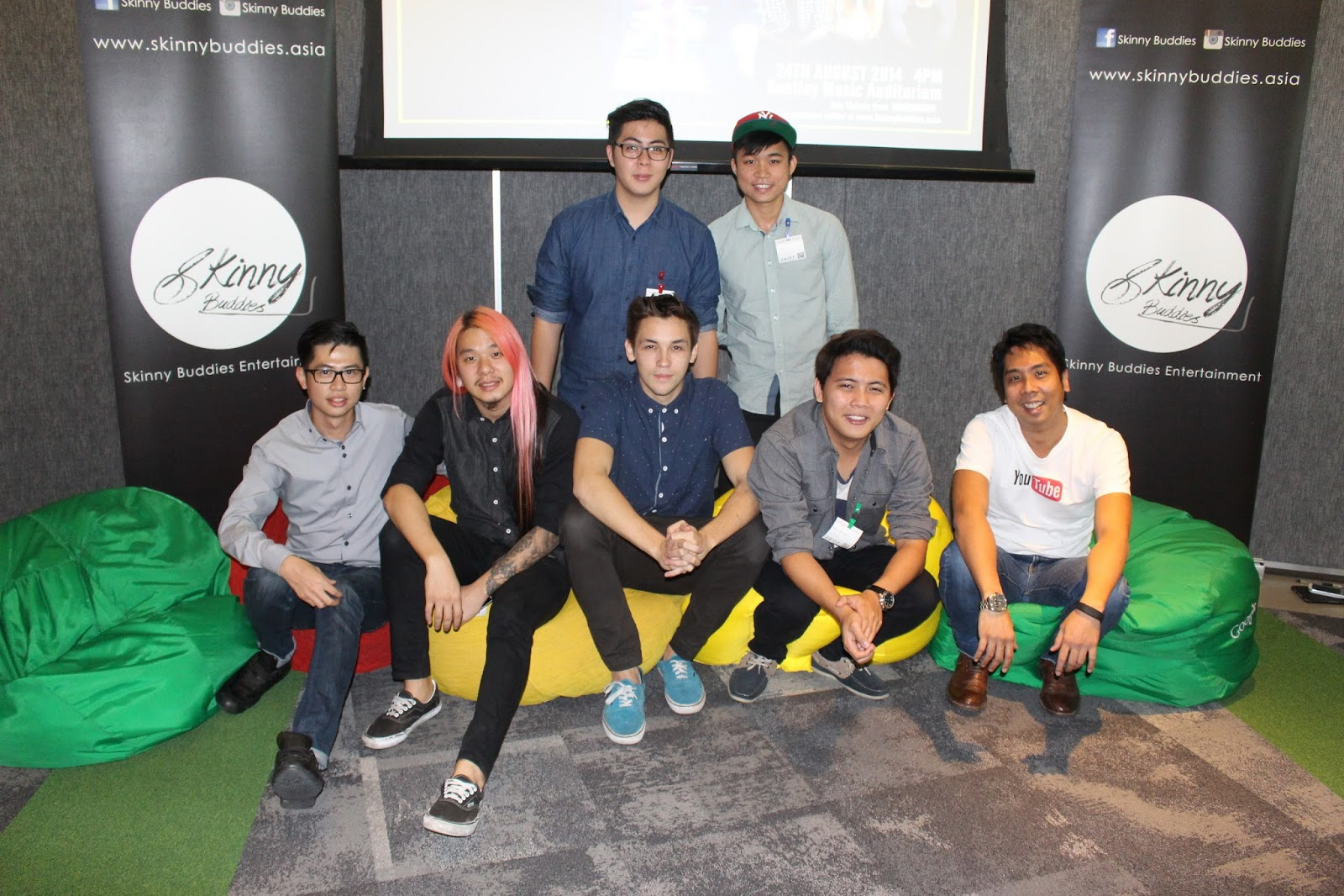 The panel photo shows (Bottom Row L-R) Leonard Chua (Skinny Buddies Entertainment), Darren Teh (An Honest Mistake), Mark O'dea (Host), Ming Han (Skyward), Zeffri Yusof (Google Malaysia). (Back Row) Skyward band members.