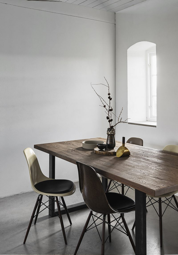 Minimalistic understated dining room | Residence