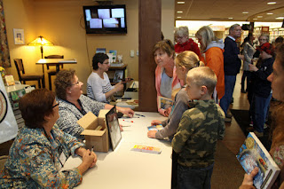 Book_signing_Miracles_on_Maple_Hill