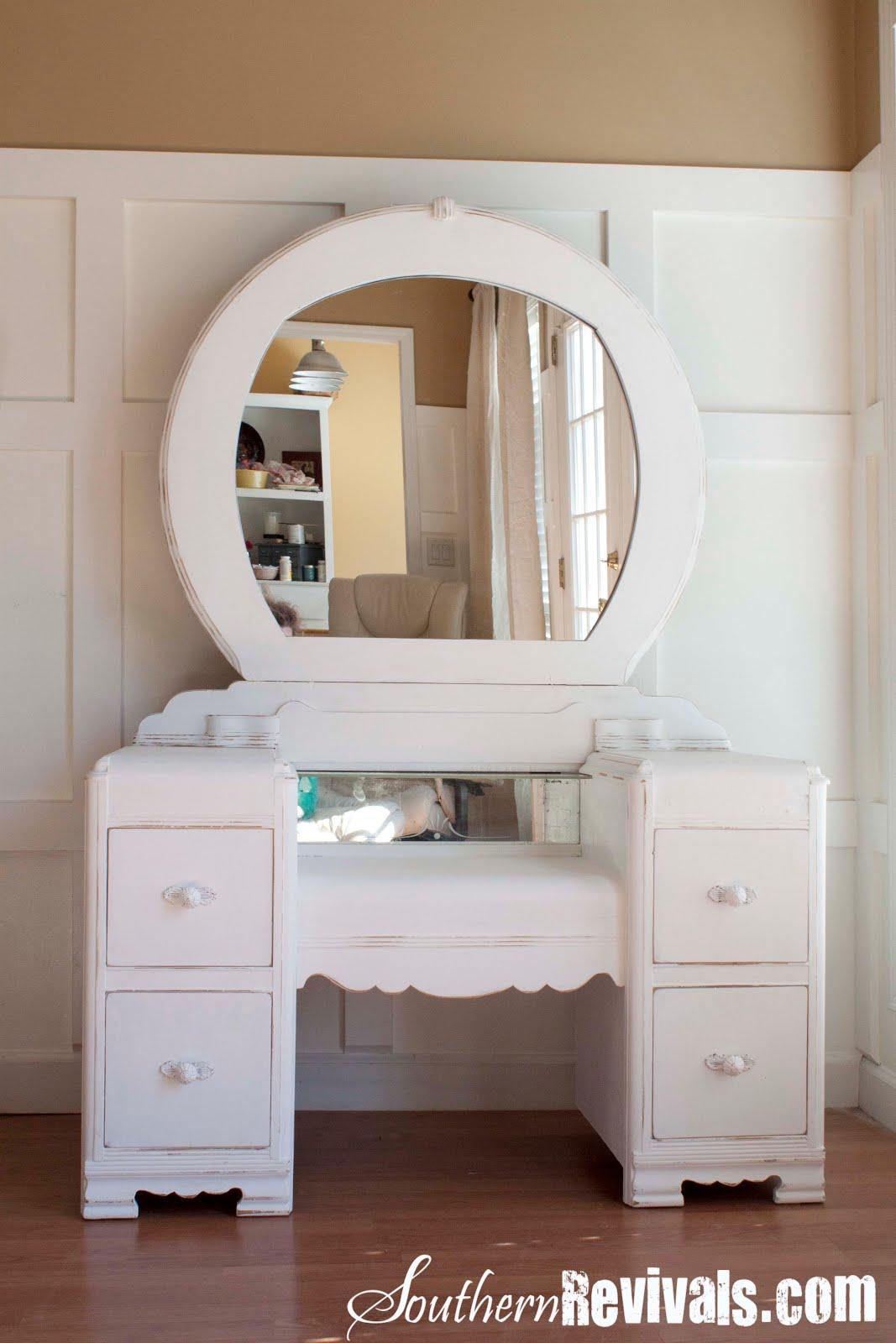 A 1940s Vanity Dresser  Mirror Revival  Southern Revivals