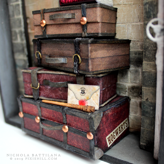 Kings Cross Platform 9 3/4 Hogwarts Express - Nichola Battilana