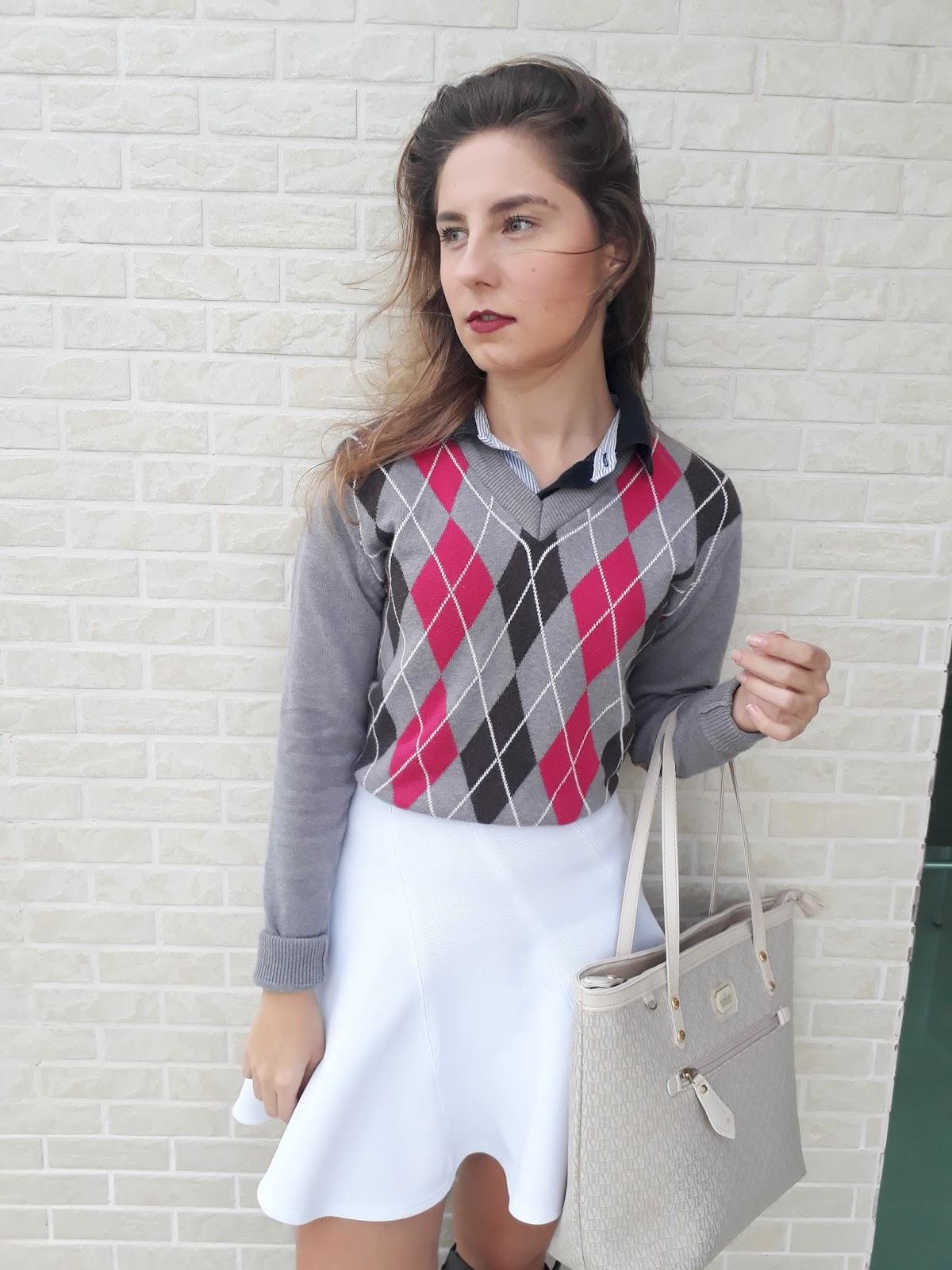 Look do dia: Suéter quadriculado + Saia!