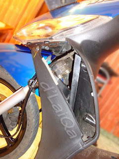 cowling A (cover flasher) telah dilepas