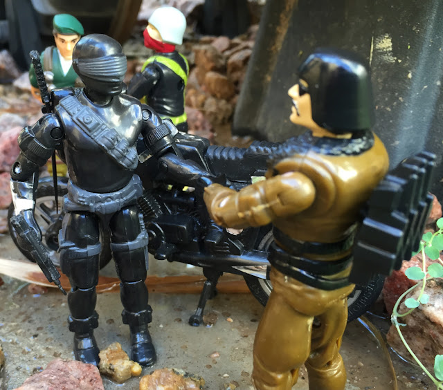Brazilian Cobra Werewolf, Lobisomem, 1985 Snake Eyes, Estrela, Chinese Major Bludd, Funskool Street Hawk, India, Vibora, Python Patrol Officer, 2002 Convention Exclusive Paratrooper Dusty