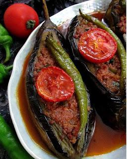 Фаршированные баклажаны по-турецки (Karnıyarık)