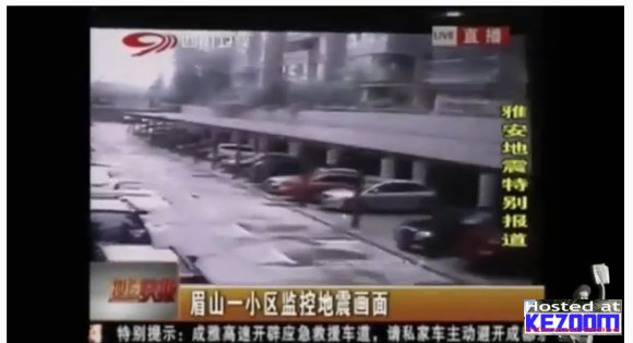 Video Amatur Gempa Bumi 7.0 di China 20-04-2013