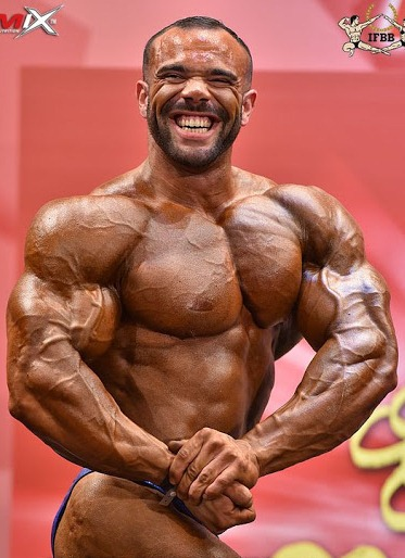 world bodybuilders pictures: smiling france bodybuilder