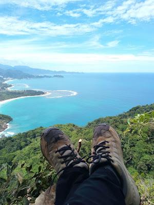 Pemandangan dari puncak Tebing
