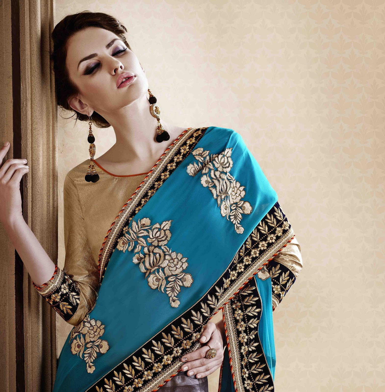 Catalouge No.1428-Designer Heavy chiffon with Jecquard heavy work Saree