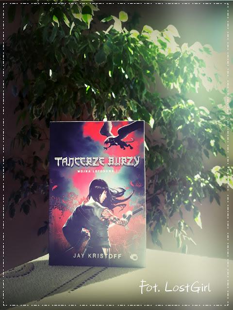 Mitologia pomieszana z japońskim steampunkiem - ''Wojna Lotosowa'' Jaya Kristoffa [Wojna Lotosowa#1] *LostGirl*