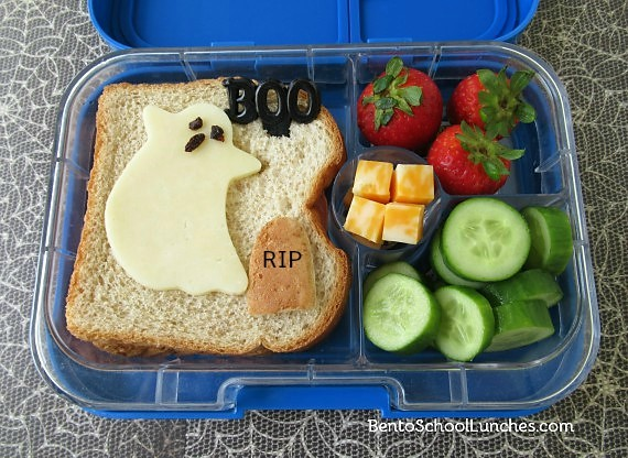 Ghost Halloween bento lunch in Yumbox BOO