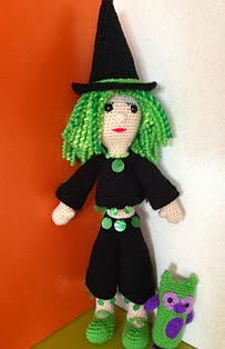 http://www.ravelry.com/patterns/library/curly-the-good-green-witch