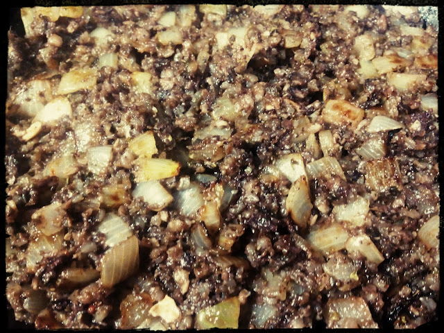 Kaszanka smazona kaszanka z patelni z cebulka kaszanka z musztarda kaszanka swojska pomysl na kolacje podwieczorek sniadanie obiad