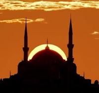 Islam Melarang Memanggil Dengan Gelar Yang Buruk Islam Melarang Memanggil Dengan Gelar Yang Buruk