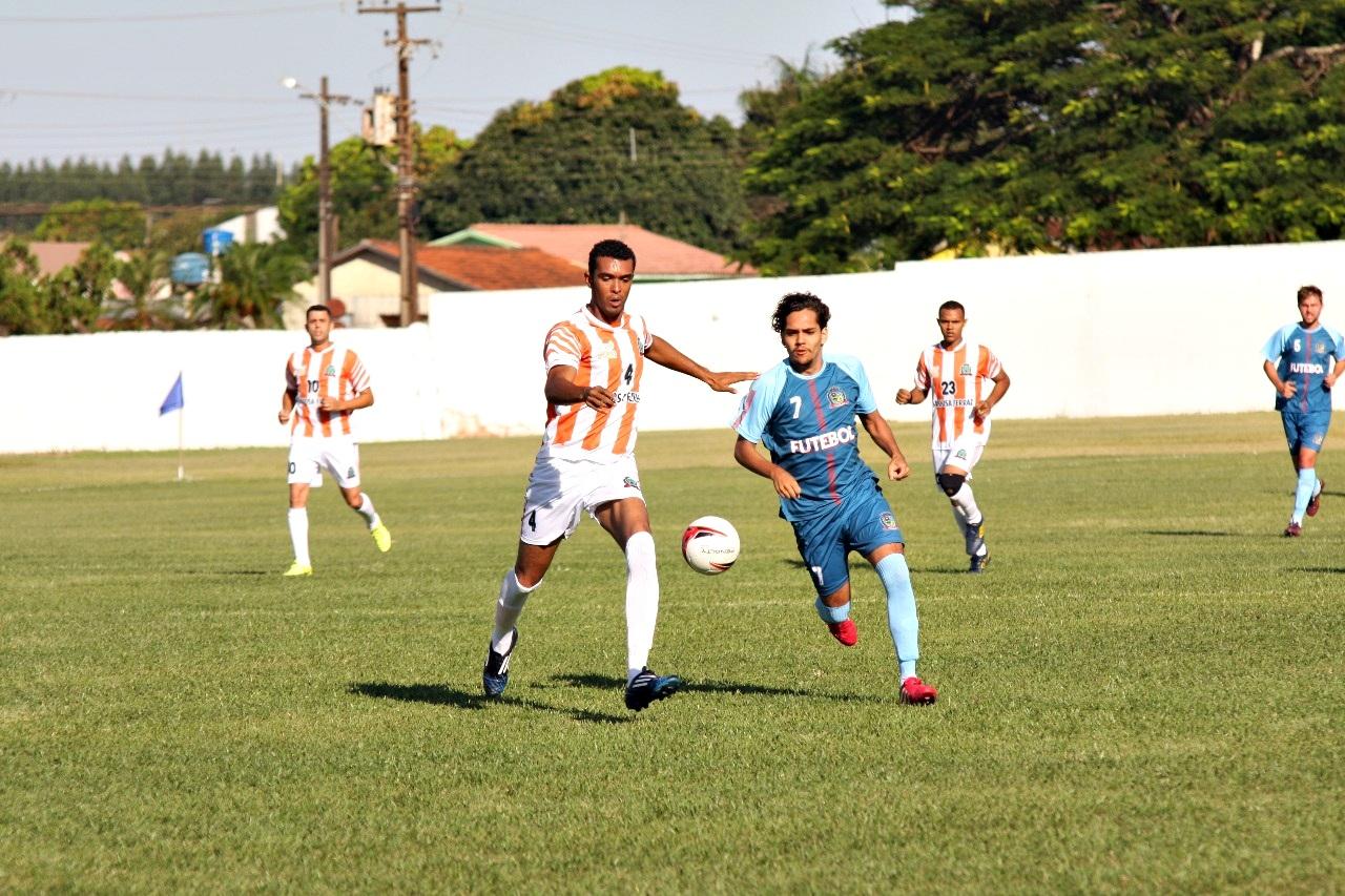 Vinte e dois gols foram marcados neste domingo nos cinco jogos da 3ª rodada  da Copa Comcam Sicredi de Futebol 2f96988dd807c