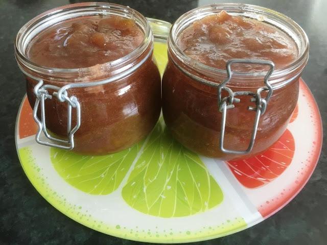 30 Rhubarb Recipes + How to make Rhubarb Jam