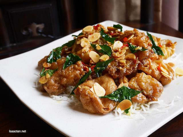 Deep Fried Abalone Mushroom with Almond