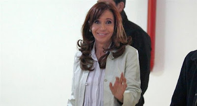 Encuesta: Cristina supera a Macri por 8 puntos