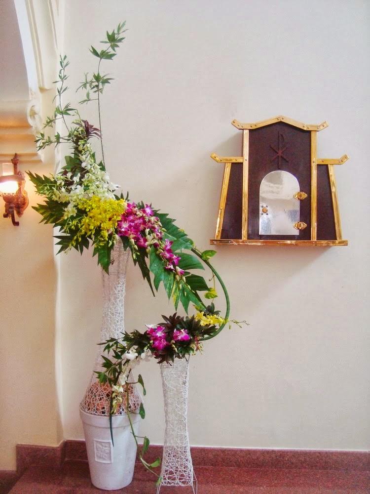 Mẫu cắm hoa nhà Tạm, Nghệ thuật cắm hoa nhà thờ, Cắm hoa phụng vụ, cắm hoa nhà thờ đẹp, cắm hoa nghệ thuật, cắm hoa theo mùa phụng vụ