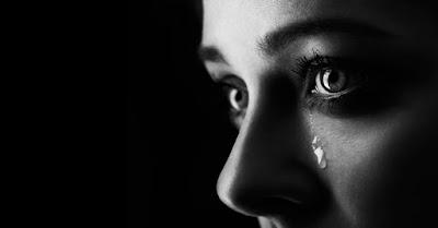 تبكي في كثيرٍ من الأحيان