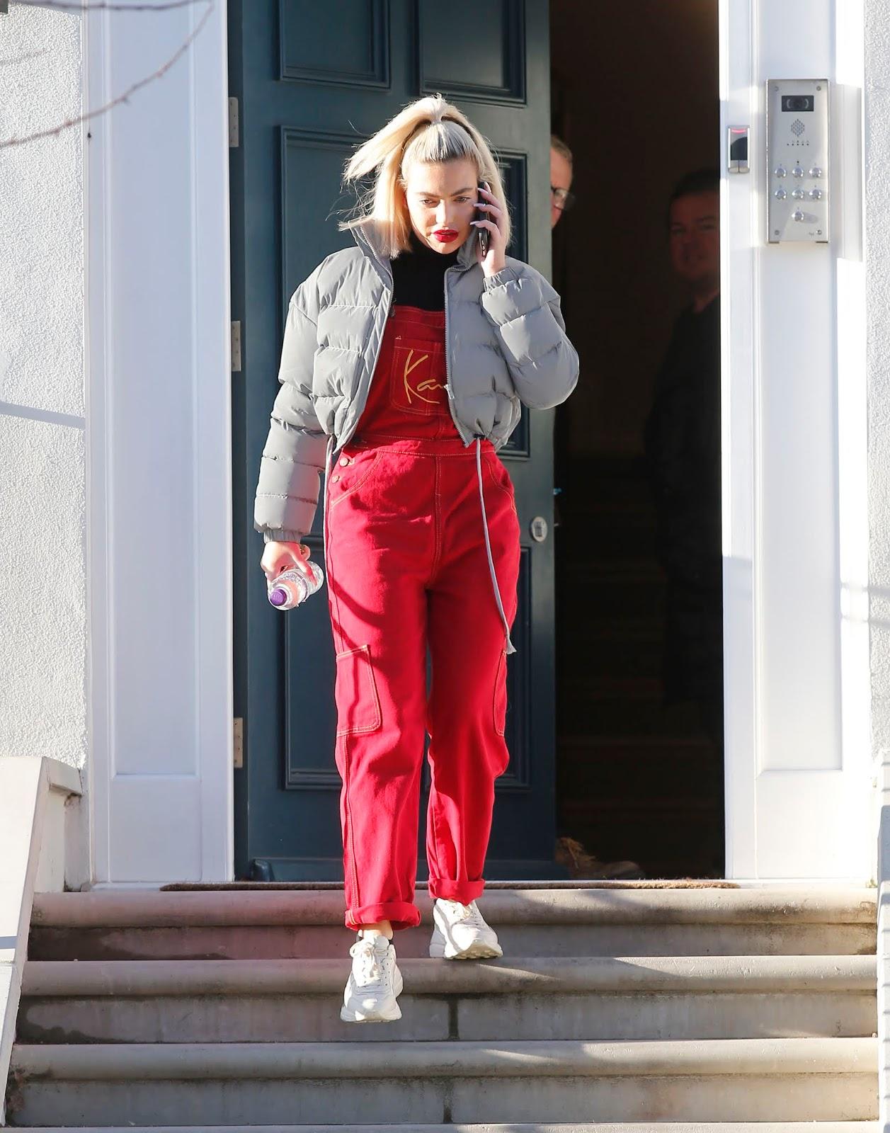 Megan Barton Hanson leaves her North London home - 01/28/2019