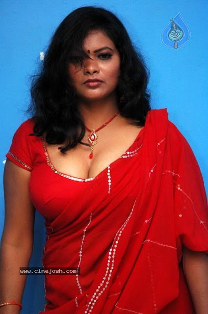 Latest Movies Gallery Tamil Actress Saree Removing Stills
