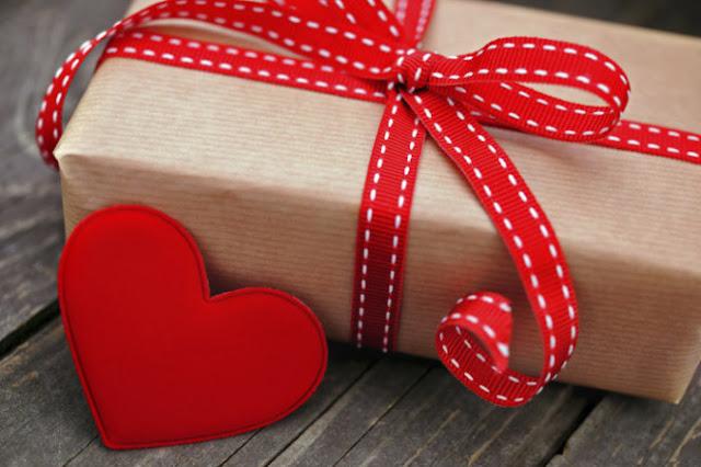 Упаковываем и оформляем подарки на День Влюбленных подарки, оформление пподарок на день святого Валентина, подарки на день всех влюбленных своими руками, подарок к дню святого Валентина своими руками, день всех влюбленных подарки, подарок на день святого Валентина парню своими руками, что подарить на день влюбленных мужу, подарки на 14 февраля, подарки на день святого Валентина, любовные подарки, подарки для влюбленных, подарок на день святого Валентина девушке своими руками подарок на день святого Валентина мужу своими руками подарок на день святого Валентина жене своими руками подарок на день святого Валентина мужчине своими руками подарок на день святого Валентина женщине своими руками подарок на день святого Валентина любимой своими руками подарок на день святого Валентина любимому своими руками Романтические подарки на день влюбленных, Полезные подарки на день влюбленных, ОригинальныеС учетом хобби любимого С учетом хобби любимого подарки на день влюбленных, подарки на 14 февраля для любимого сделать своими руками, подарки на 14 февраля для любимой сделать своими руками, подарок парню на 14 февраля идеи своими руками как сделать подарок на день святого Валентина своими руками подарки на день всех влюбленных своими руками подарки на 14 февраля своими руками оригинальные подарки на 14 февраля, интерьерный декор на 14 февраля, идеи для украшения дома на 14 февраля, идеи для украшения дома на День Влюбленных, St. Valentine's Day, День Святого Валентина идеи для оформления дома на день влюбленных, интерьерный декор на день смятого Валентина, валентинов день, День любви, День влюбленных,одарков, День влюбленных, подарки на День влюбленных, упаковка, оформление упаковки 14 февраля, День святого Валентина, упаковка праздничная, упаковка подарочная, оформление подарков, подарки любимым, пакеты, коробки, декор упаковки, сердечки, декор на День влюбленных, идеи упаковки, идеи, идеи на День Влюбленных, упаковка своими руками, подарки своими руками, http://handmade.parafraz