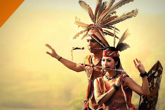 Kesamaan Dayak Borneo dan Alifuru Maluku