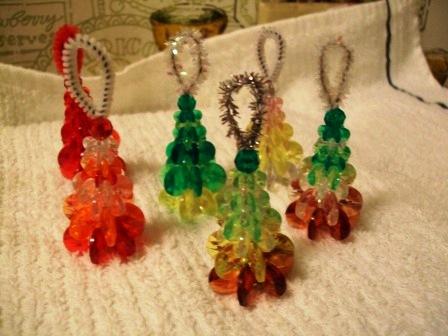 Prayers crafts and life mini beaded christmas tree for Miniature christmas trees for crafts