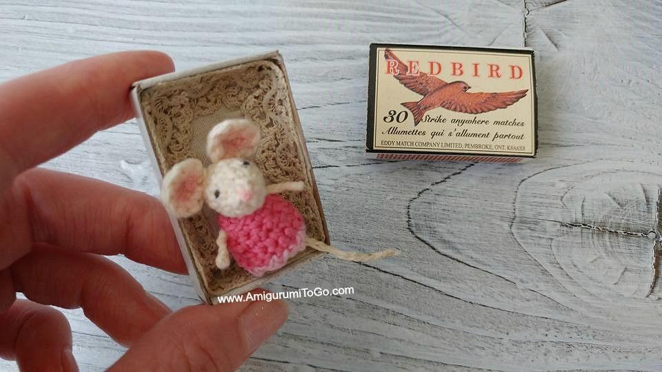 https://www.amigurumitogo.com/2017/12/micro-mouse-free-crochet-pattern.html