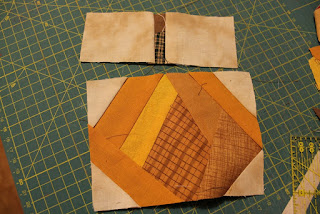 http://www.grimmskram.net/2014/09/tutorial-paper-piecing.html