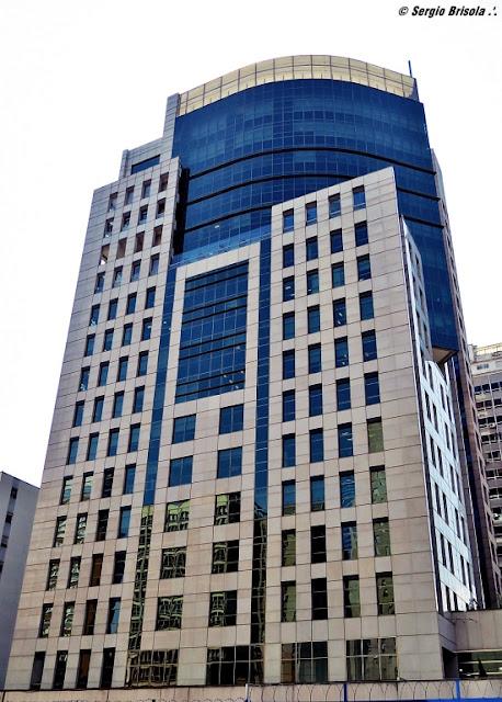 Vista da fachada lateral da Torre João Salem - Bela Vista - São Paulo
