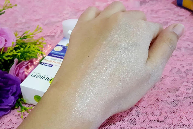 Garnier_New_Light_Complete_Yoghurt_Sleeping_Mask_Review