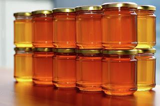 تحديث أول بأول ~ الأفضل علي الاطلاق - أجود انواع عسل النحل واسعارها 2021 العسل واسعاره الجديدة | الأن لستة اسعار عسل النحل فى مصر 2021 بالجرام - سعر افضل نوع برطمان عسل النحل الاصلي جبلي 2021 وانواعه