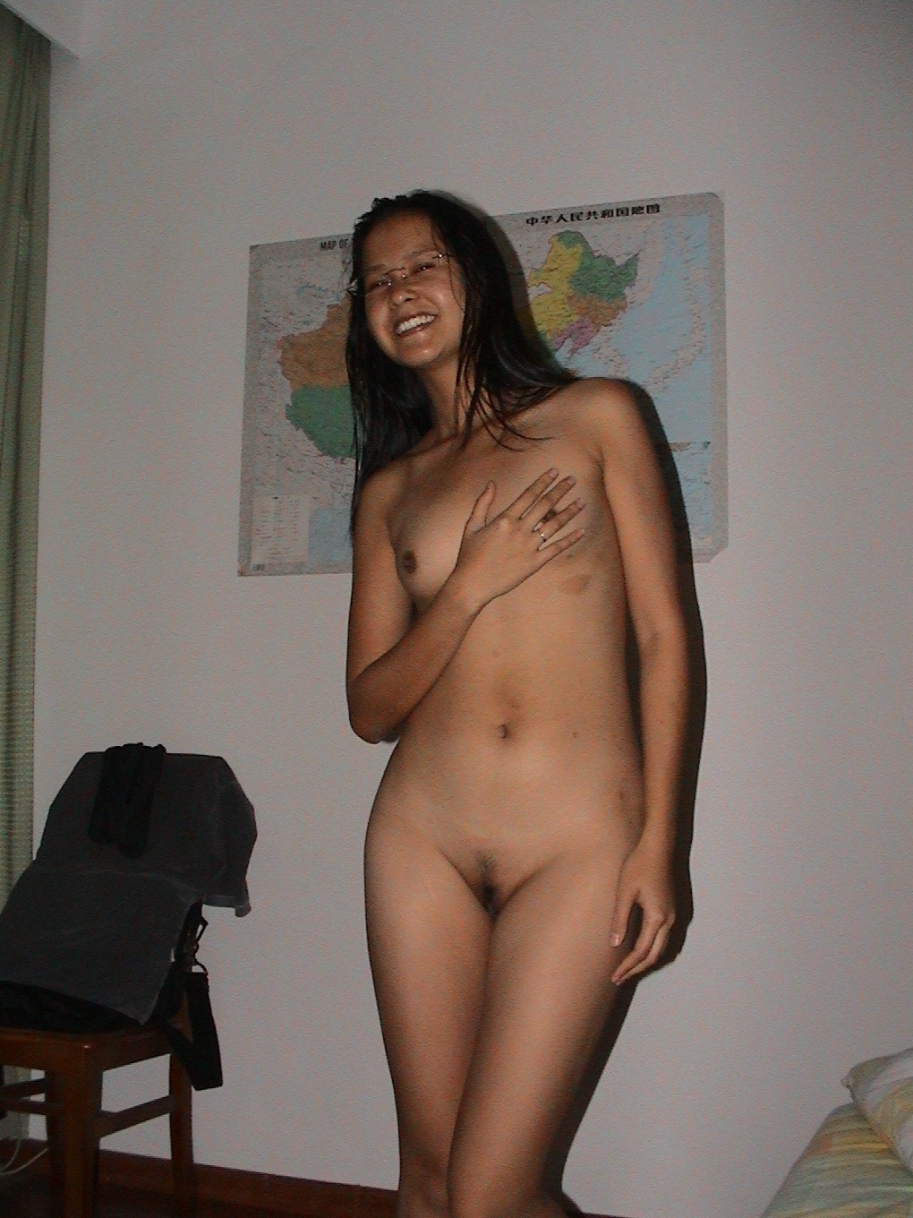 Totally Nude Latina Wemon