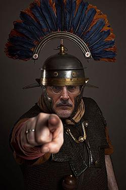 el villano arrinconado, humor, chistes, reir, satira, Roma