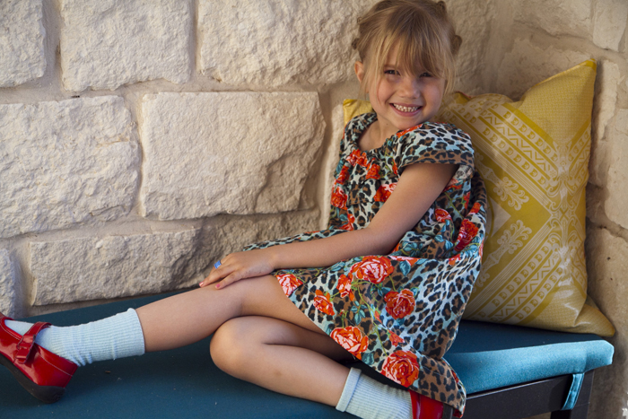 http://prudentbaby.com/2013/05/baby-kid/easy-summer-muumuu-house-dress-tutorial-and-free-pattern/