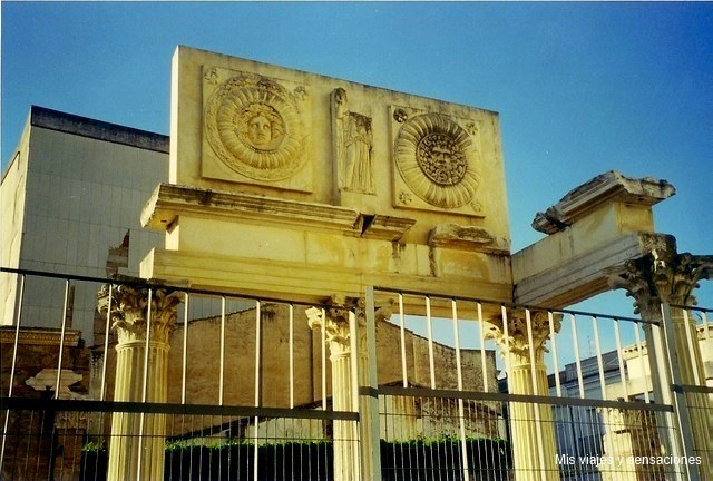 Pórtico del foro en Mérida