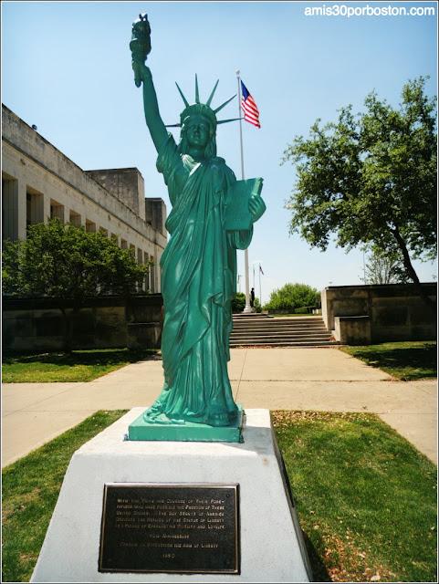 Estátua de la Libertad en el Texas Fair Park de Dallas