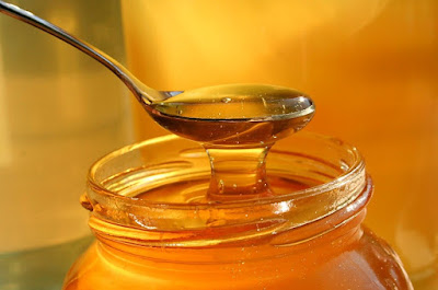 4. 1 tbsp honey for skin whitening
