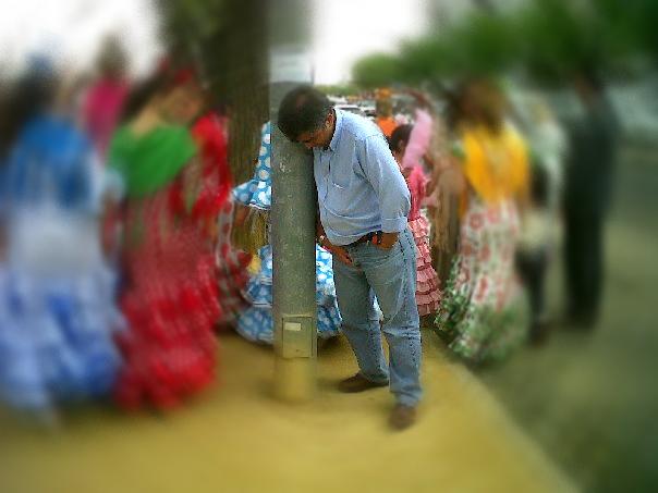 http://www.totuputamadre.com/2016/04/un-hombre-ebrio-en-la-feria-confunde-su.html