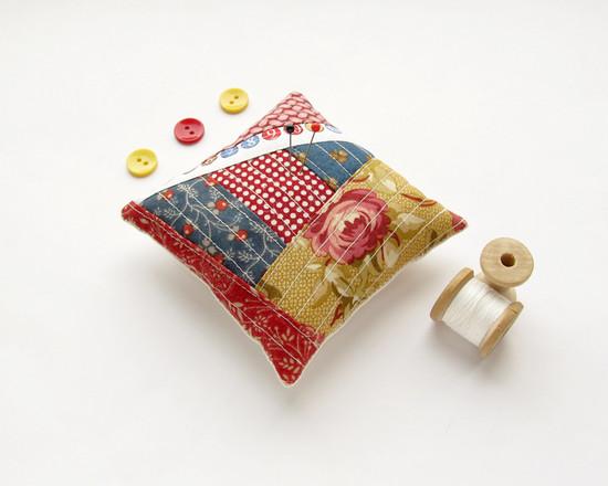 Red Pincushion, подушка для иголок