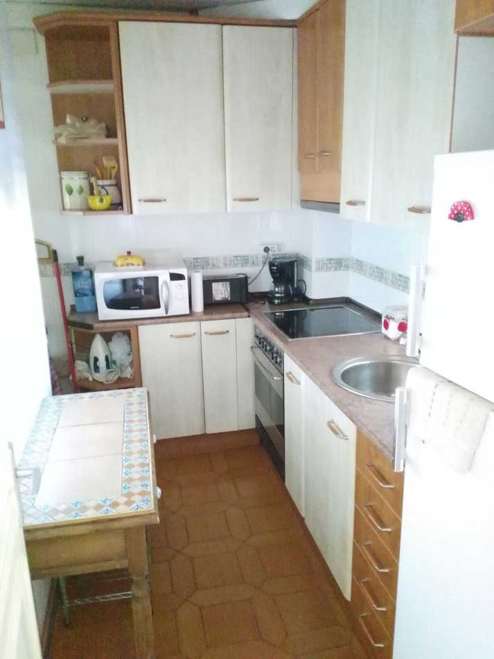 apartamento en venta benicasim calle bisbe serra cocina