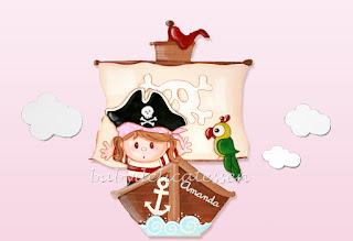 silueta de madera infantil barco pirata con niña babydelicatessen