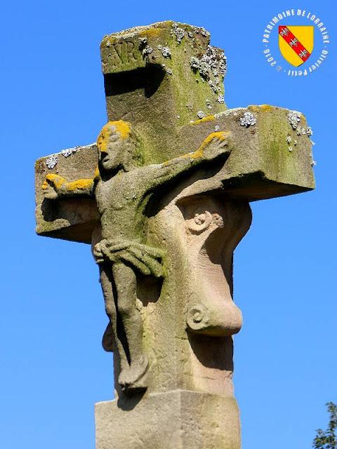 AUTREPIERRE (54) - Croix de chemin