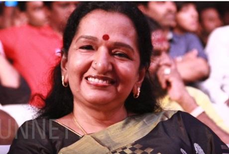 Thalapathy Mom's Top 3 Vijay Movies – Shoba Chandrasekar about her Mersal Son Vijay