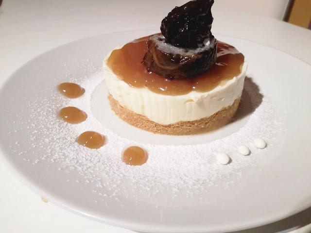 Cheesecake con gelatina di prugne di Montalcino