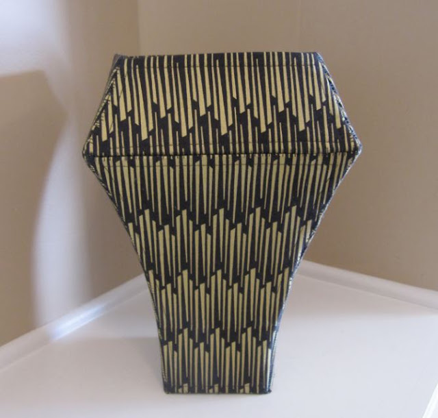 Voilà Vase by eSheep Designs; crafted by Marilyn (Shades of Bold)