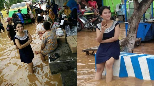 Heboh Gadis Cantik di Banjir Jakarta